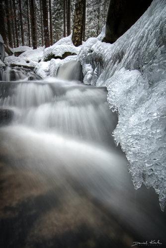 Zmrożony potok
