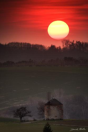 Młyn w Kunkovicach zachód słońca